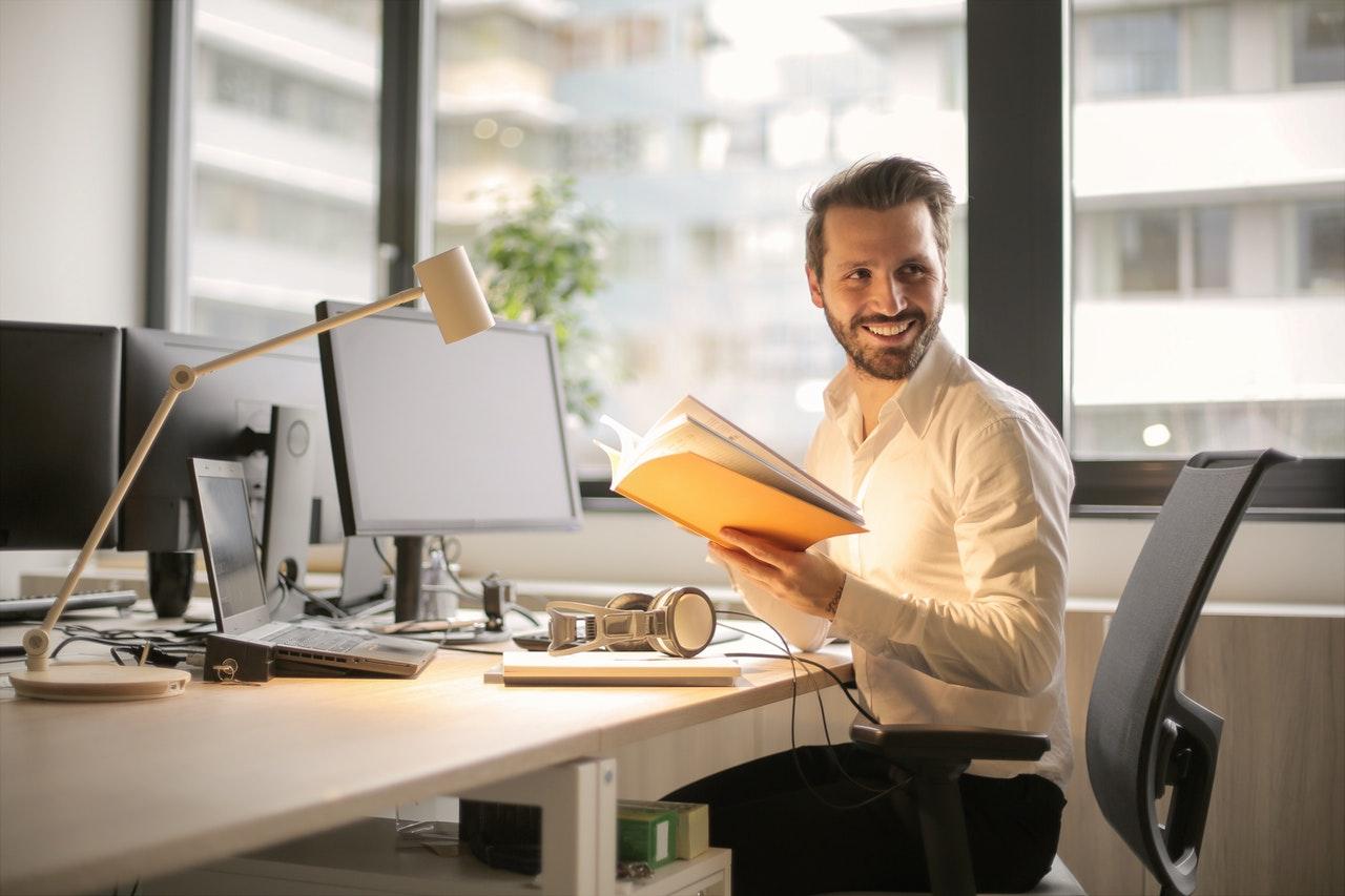 経営・管理ビザの更新申請|必要書類・注意点他詳しく解説!