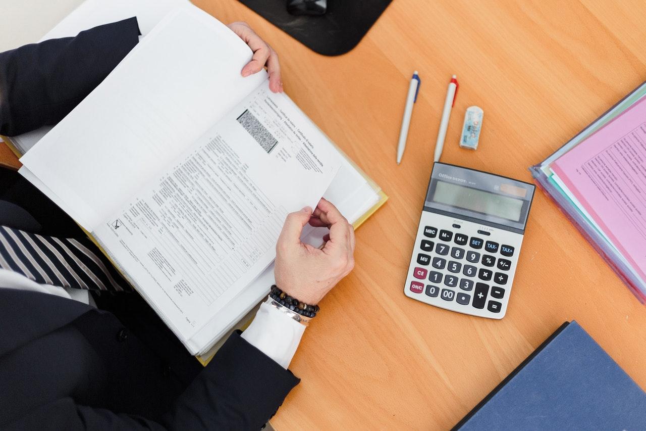 届出済証明書(ピンクカード)とは|取得方法について詳しく解説します!